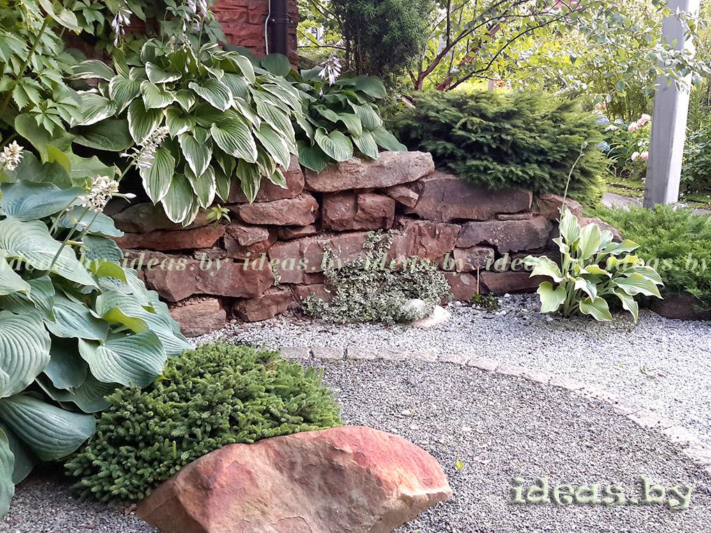 Подпорная стенка из камня-участок с уклоном