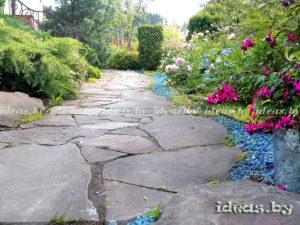 Дорожки из камня на участке фото