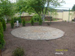 круг из тротуарной плитки